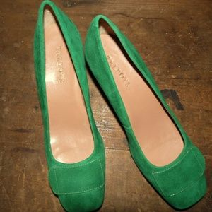 windsor green Bryn chunky heel suede pumps